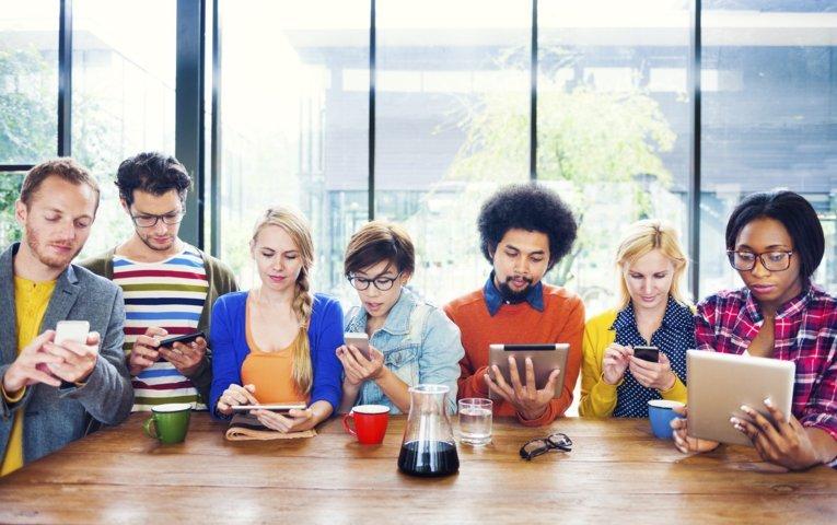 """""""millennials generazione z quali social preferiscono i giovani in italia"""""""